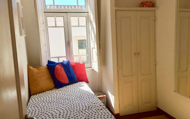 Single Room in the CENTRE OF LISBON