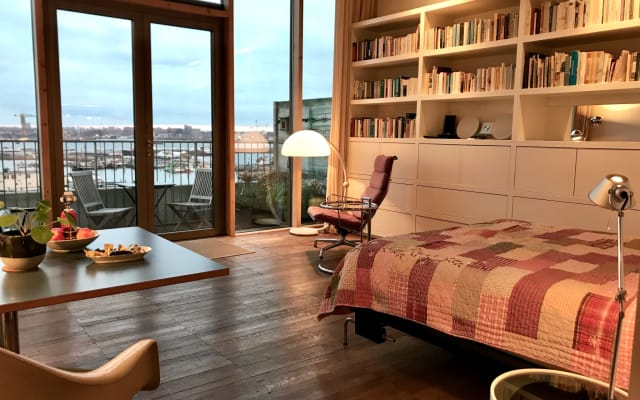 Private STUDIO with amazing HARBOUR view 12 min. from Central Station