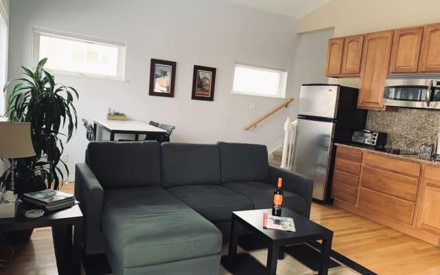 Denver Guest Suite in Hilltop/Mayfair/Crestmore