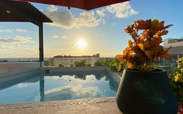 Studio B Balcony Top Location/Amenities 5GWiFi Pool 