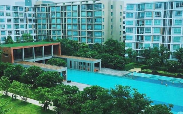 Modern Studio with Fabulous Pool | Fantastic Location