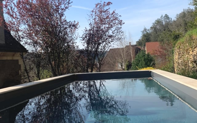 Studio de charme + piscine chauffée + jardin
