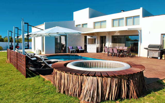 Cocoon Caius Villa | 1km From Maleme Beach