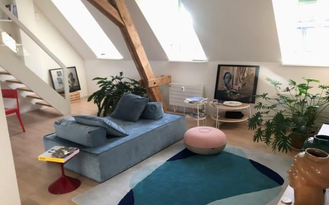 Gemütliches Zimmer in einer Dachwohnung neben der Basler Messe