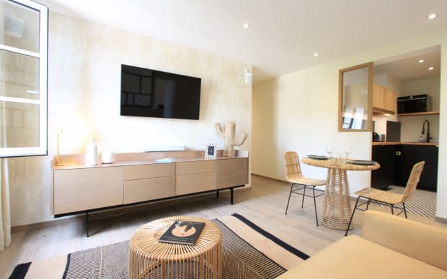 Cosy Tropez - Charmant appartement refait à neuf-Plein centre village