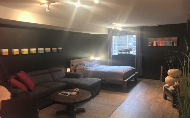 Private - Art Inspired Urban Suite