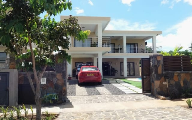 NEW SPACIOUS VILLA WITH PIVATE POOL...