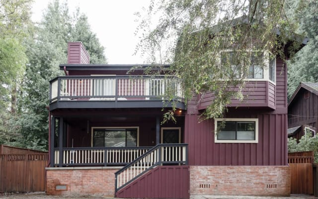 Riverside Lodge House with Naturists hosts next door