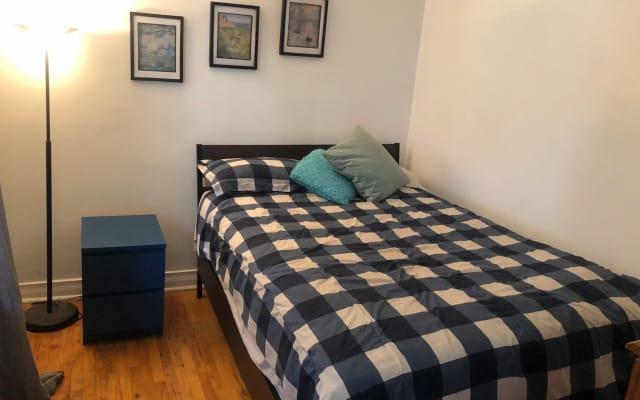 Super emplacement - jolie chambre confortable