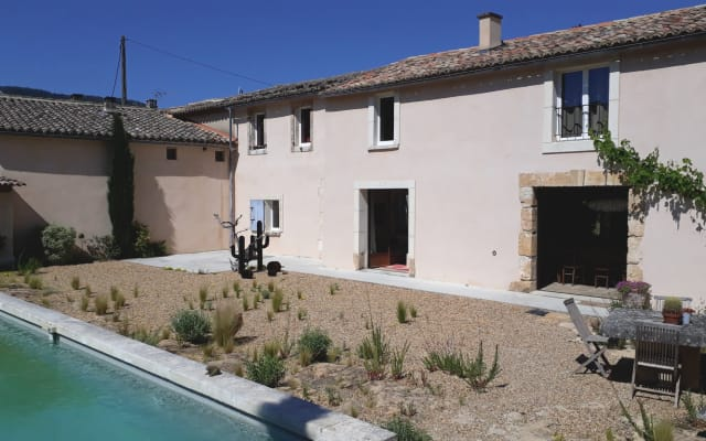 Farm house in the country side facing Luberon close to Menerbes