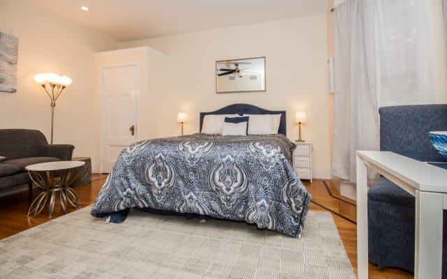 Newly Renovated, Spacious Furnished Studio with great access to BU, BC