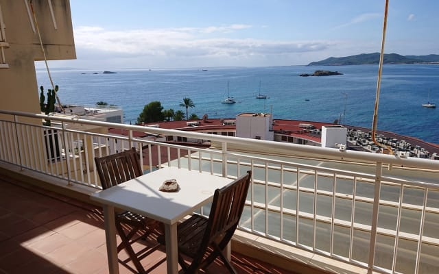 Habitación en piso tranquilo en Ibiza ciudad