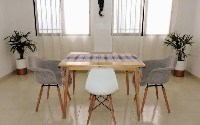 "Espace Co-Living ""Casa Homica"": Chambre privée avec salle de bain"