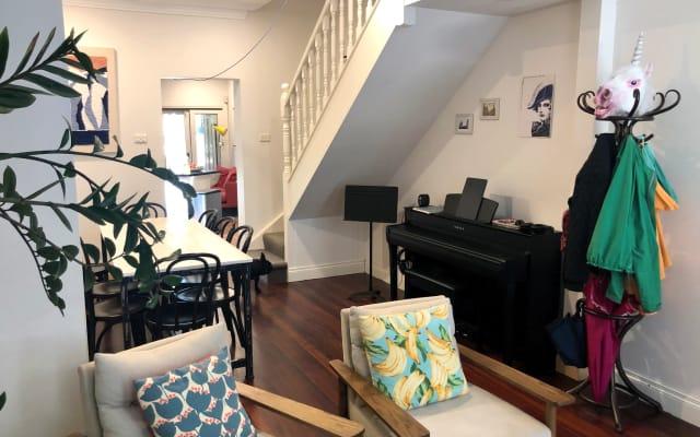 Nettes Zimmer in geräumiger Newtown Terrasse