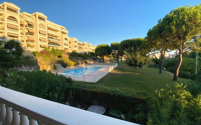 Appartement T3, expo sud, résidence avec piscine, tramway 300 mètres