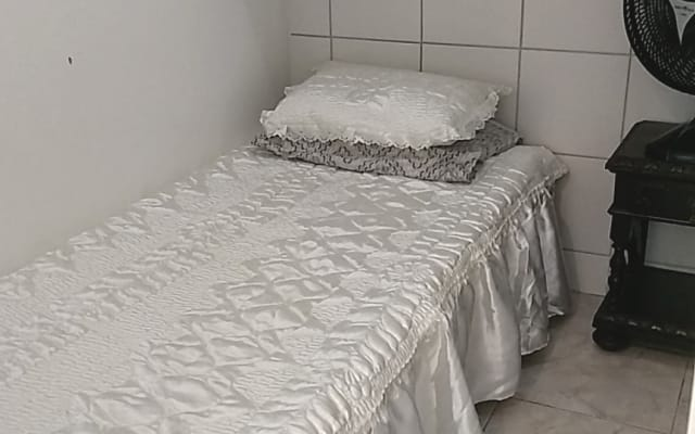 KITINET PREDIO FRENTE MAR