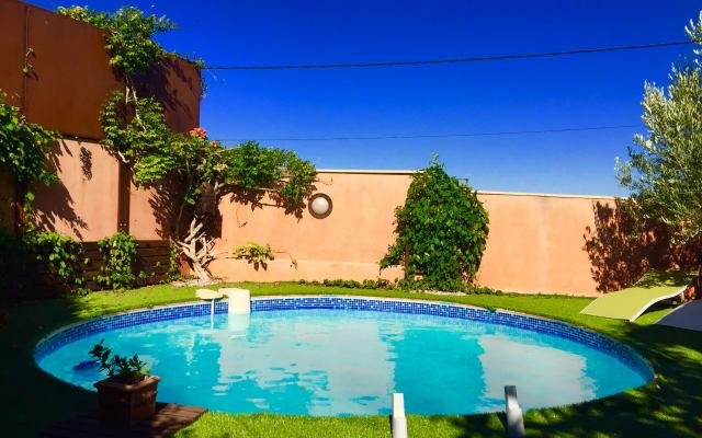 location saisonnière, villa de charme avec piscine, sud de France