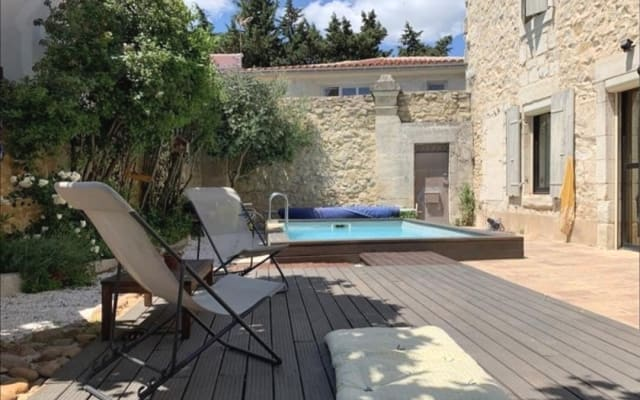 Mas provençale avec piscine privée proche de Pont du Gard