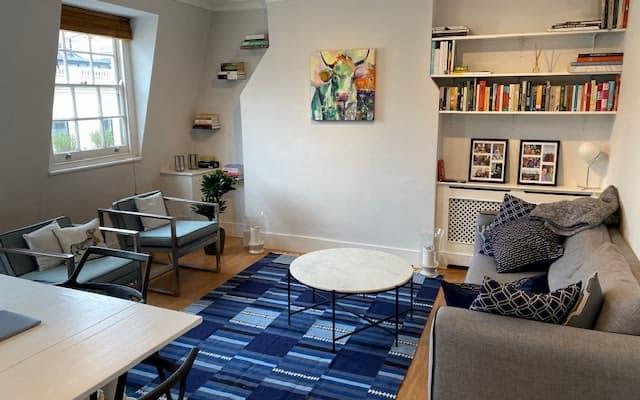 Modern flat in central London