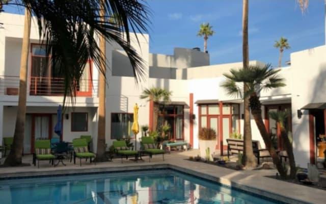 Salle privée / salle de bain w / patio dans la maison de luxe haut de...