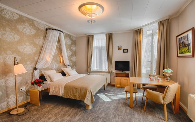 Bariseele Balkony Suite **** with breakfast and parking