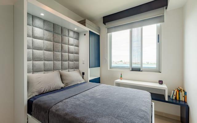 Private Room in Brand New Luxury Condo Apartment