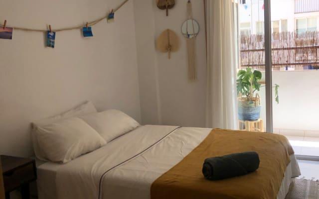 Bonita habitación en Ibiza ciudad con baño y terraza.