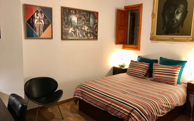 Bedroom 25 m. with private bathroom / Terrace 50 m. / 700 m. Beach