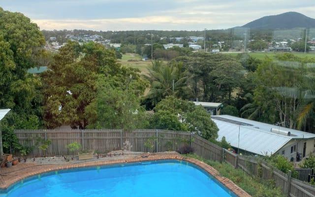 Grande casa con grande piscina e splendide viste