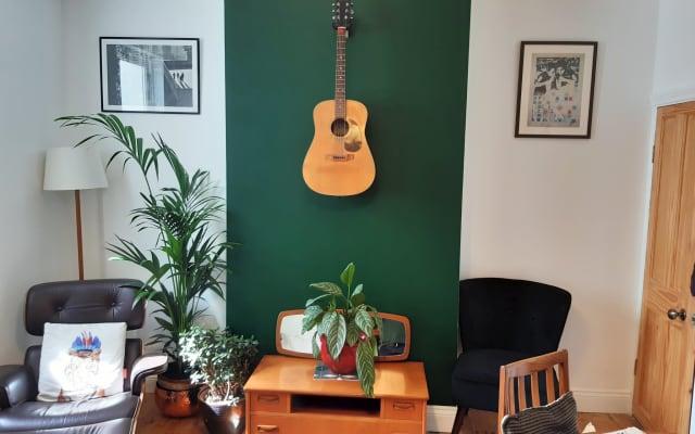 Small Simple Room in Tunbridge Wells
