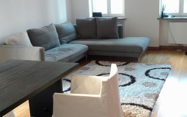 Chambre et salon privés dans un appartement design de 90m2
