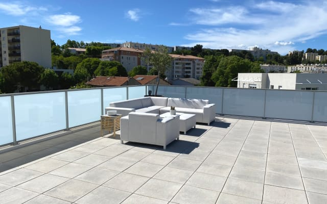 Fully air-conditioned roof terrace