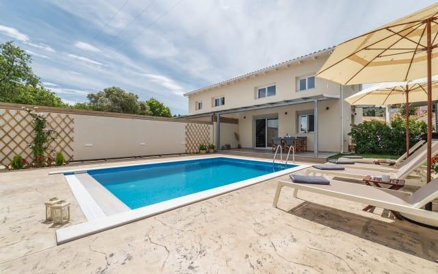 Athiri Villa just 2km from Lefkada city center