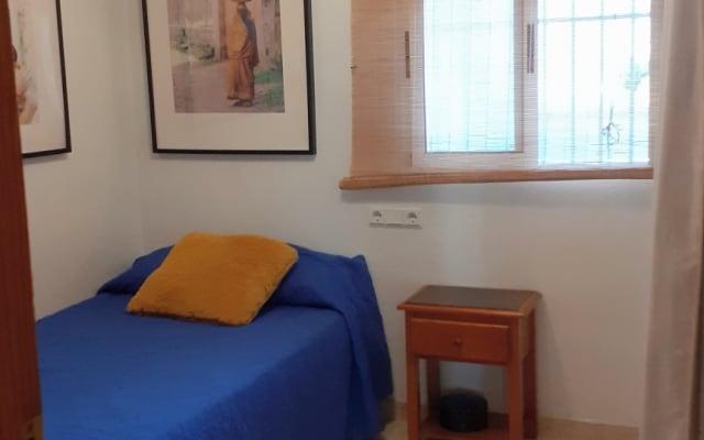 Zimmer zu vermieten in einer ruhigen Urbanisation