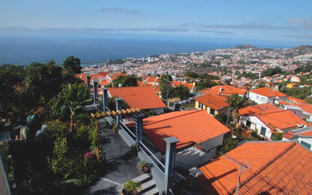 """""""CASA JULIETA"""" stunning views over Funchal"""