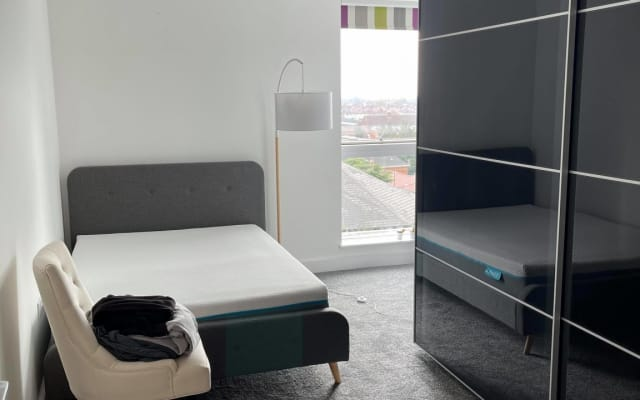 Amazing double room in beautiful  modern apartment