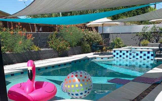 Vera Drive Palms - Clothing Optional Resort-like Home