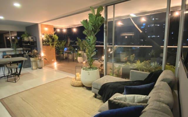 Apartamento moderno e legal em el Poblado com uma bela vista