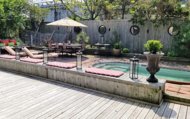 MID CENTURY CHARMER IN FIRE ISLAND PINES, STEPS TO THE BEACH!