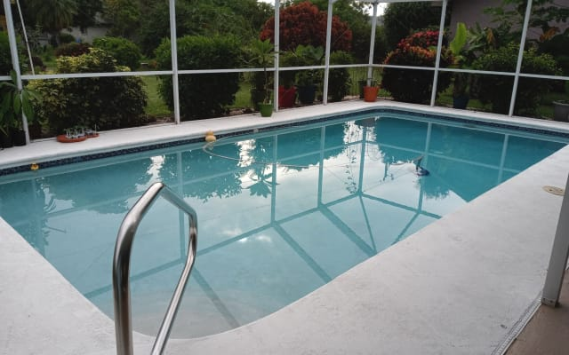 Private Room/Bath...Pool/Hot Tub Home