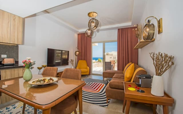 Wake up with best water view two bedroom in Azzurra
