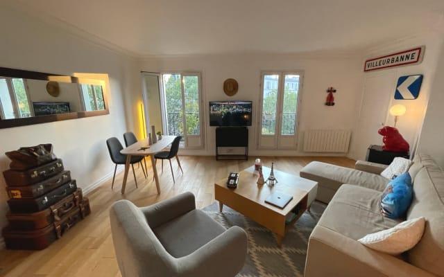 Cosy shared Parisian apartment 🌈🇫🇷 appartement partagé 👨🏼🤝👨🏻