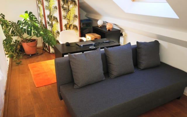Área de dormir en el entresuelo en una zona céntrica y tranquila