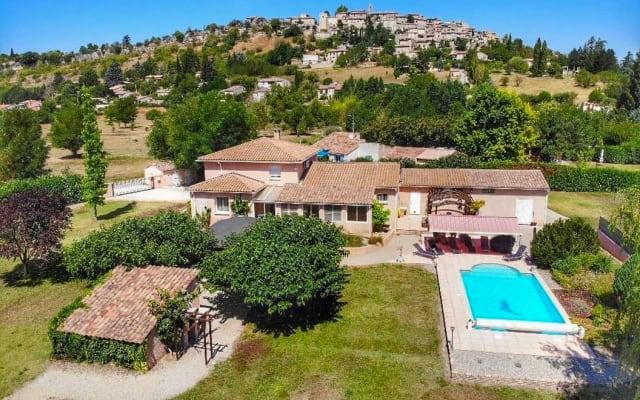 Le Lavandin piscine chauffée privée et jacuzzi en Provence
