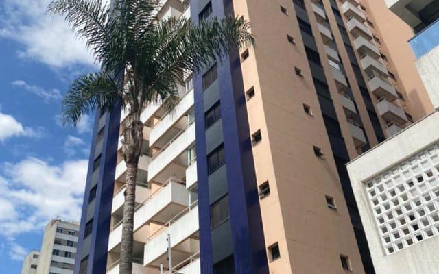 Espaço residencial no Baixo Augusta. Entre ruas Bela Cintra e Augusta