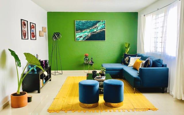 Belle chambre confortable avec accès à un jacuzzi