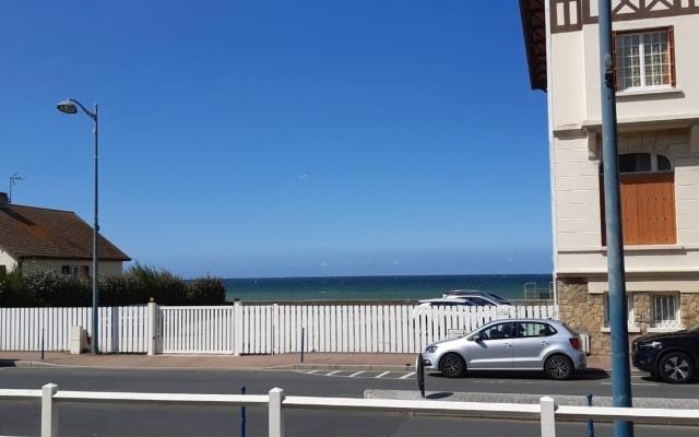 Superbe 2 pièces face à la mer- parking privé