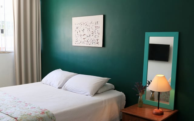 Gay Hostel: Private Room Near Airport