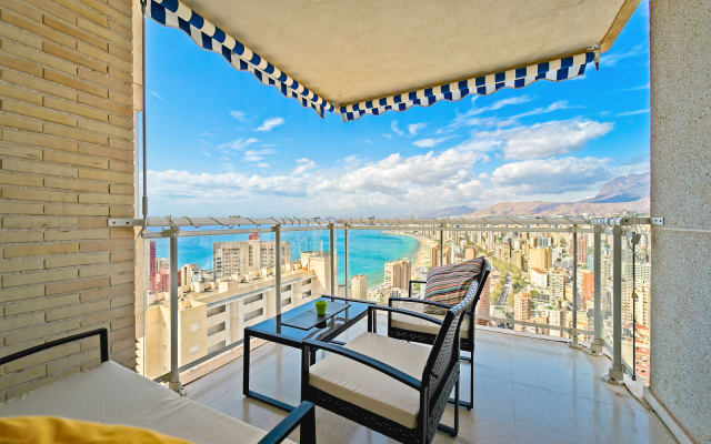 Stanza privata e bagno in appartamento al 24° piano con vista...