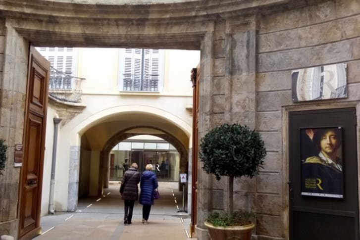 lieu de rencontre gay grenoble à Perpignan
